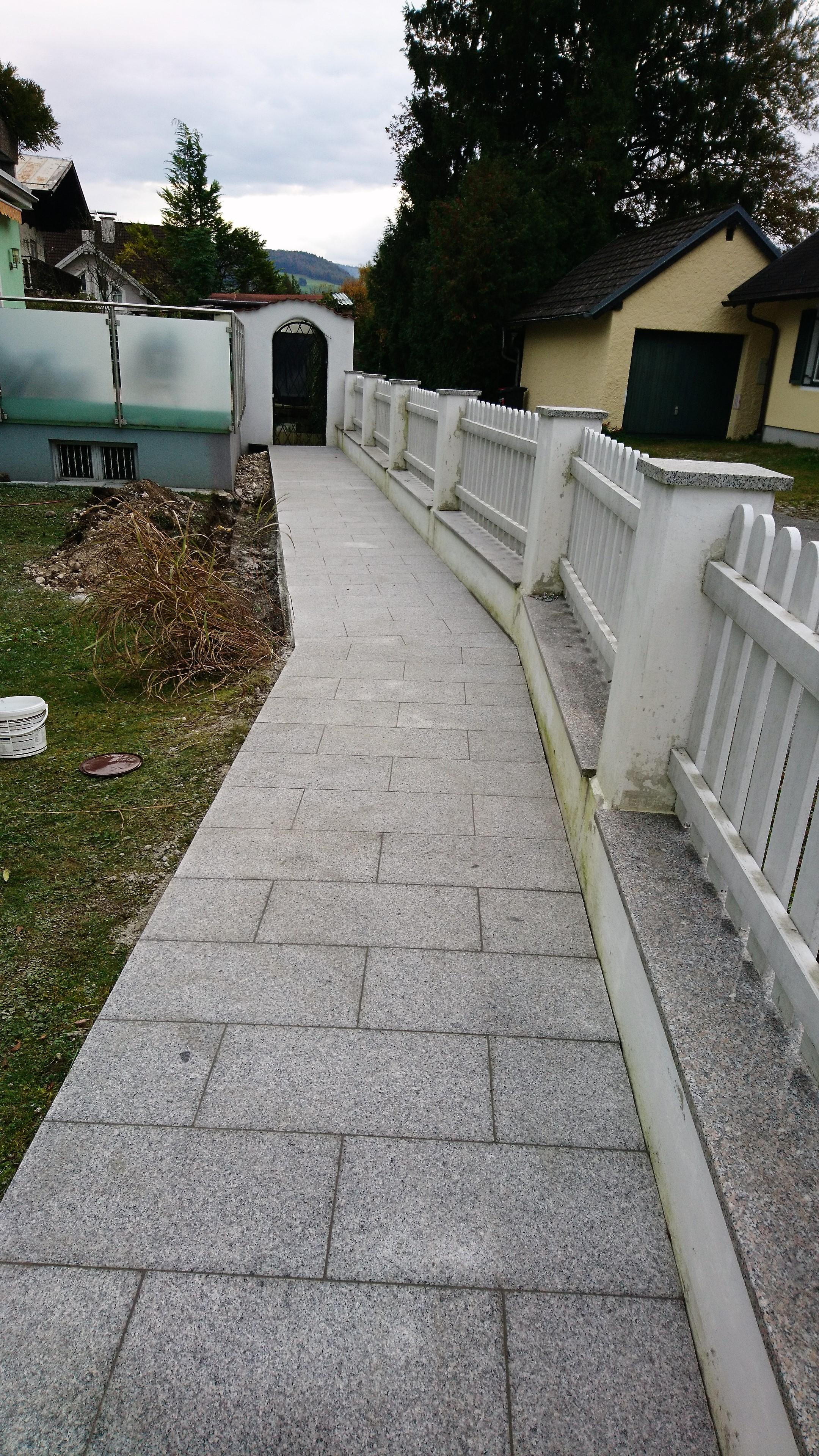 Raderer Renovirungen Steine verlegen